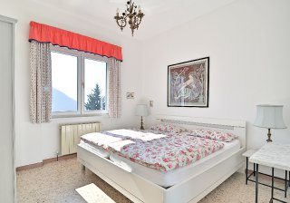 1-schlafzimmer-obere-wohnung_0.jpg
